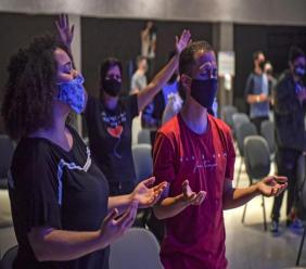 Premier service depuis le confinement à l'église évangélique Edificando em Cristo, le 8 juillet 2020 à Sao Paulo, au Brésil, avec un nombre de fidèles très restreint afp.com - NELSON ALMEIDA