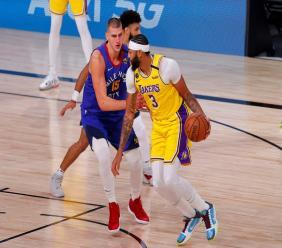 Anthony Davis, des Los Angeles Lakers, en finale de Conférence Oest de NBA contre les Denver Nuggets le 18 à Lake Buena Vista en Floride afp.com - Mike Ehrmann