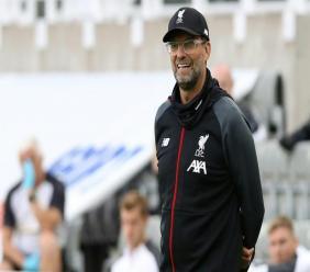 Jurgen Klopp l'entraîneur de Liverpool dans le stade St James Park de Newcastle, en Angleterre le 26 juillet 2020. afp.com - OWEN HUMPHREYS