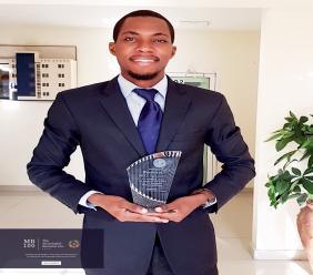 Le jeune entrepreneur haïtien Mike Bellot reçoit le PrixMeaningful Business pour l'année 2020.