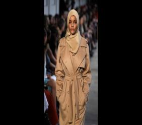 In this February 23, 2017 file photo, Somali-American model Halima Aden wears a creation part of the Max Mara women's Fall-Winter 2017-18 collection that was presented in Milan, Italy. (Photo: AP Photo/Luca Bruno)