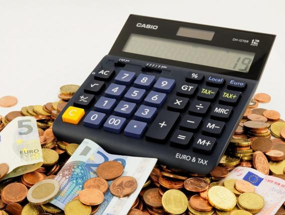 De onderzoekers keken hoe 15-jarigen in vijftien landen om gaan met alledaagse financiële situaties