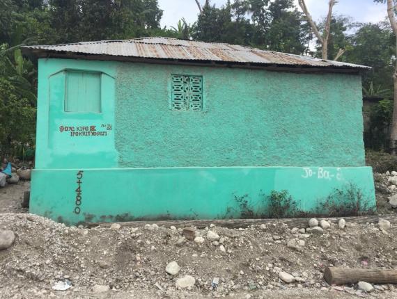 "La maison verte de ""Chez Da"" à Anbakan (Camp-Perrin)/ Photo : Websder Corneille/LoopHaïti"