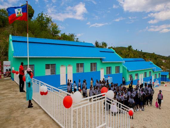 Illustration: Une école flambant neuve construite en Haiti - Crédit Photo : Digicel Haiti