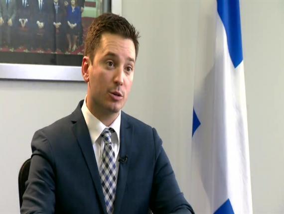 Le Québec veut ouvrir ses portes aux travailleurs étrangers pour faire face à la pénurie de main-d'oeuvre. Photo: Simon Jolin-Barette, ministre de l'Immigration au Québec