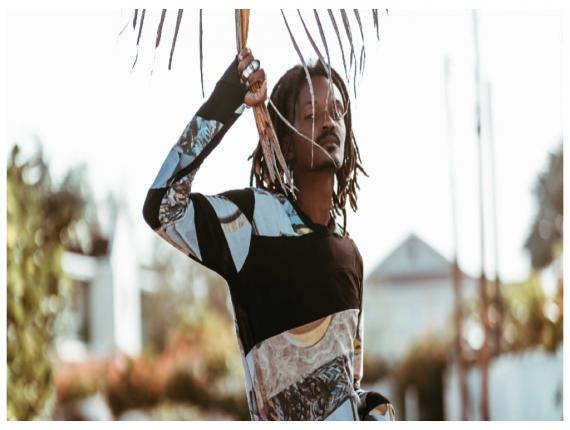 Barbadian stylist, designer and creative, Junior Sealy (photo by Kris Shot It)