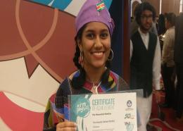 Farchanda Abdoelwahid van het Miranda Lyceum zorgde ervoor dat Suriname voor de tweede keer een Eervolle Vermelding kreeg. (Foto: Facebook Comité Natuurkunde Olympiade Suriname)