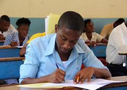 Les résultats des examens officiels seront désastreux, prévient ce parlementaire