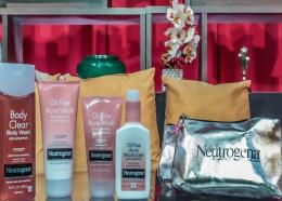 The products included in the Pink Grapefruit line are Neutrogena Pink Grapefruit Oil-Free Acne Wash Foaming Scrub, Facial Cleanser, Moisturizer, Cleansing Wipes and Body Scrub.