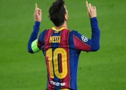 L'attaquant argentin de Barcelone, Lionel Messi, buteur sur penalty lors du match de groupes de la Ligue des champions face à Ferencvaros, à Barcelone, le 20 octobre 2020 LLUIS GENE AFP