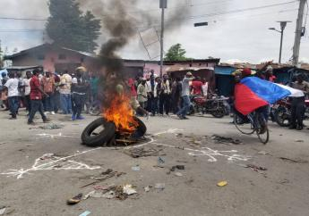 Pneus enflammés dans les rues de la capitale dans le cadre des précédentes manifestations organisées par l'opposition./Photo: Loop Haiti.