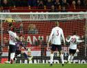 Le milieu de Liverpool Adam Lallana (d) égalise sur le terrain de Manchester United, le 20 octobre 2019