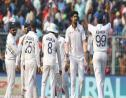 Ishant Sharma (second-right) celebrates his five-wicket haul.